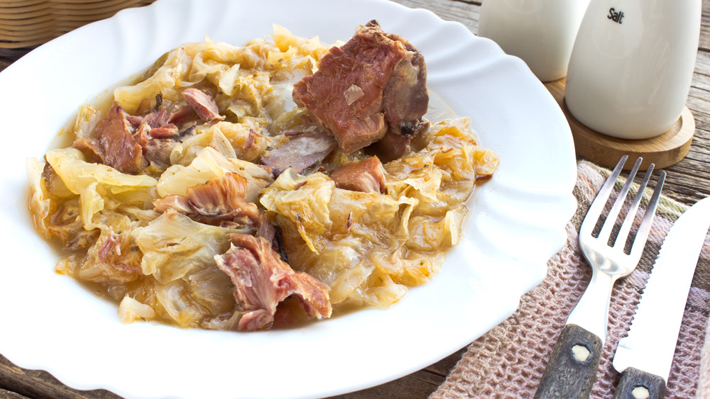 Pork-and-sauerkraut-iStock-499394216-web